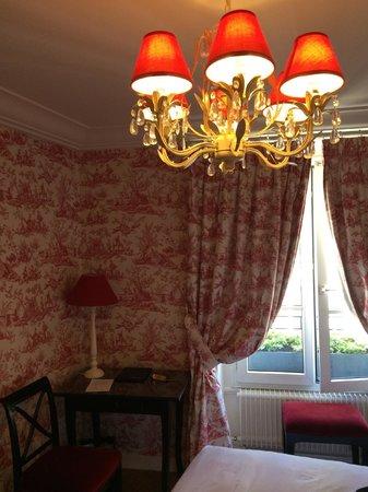 Hotel Saint Germain: Chambre St germain Hotel