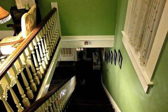 The Londoner Bed & Breakfast: Treppenaufgang