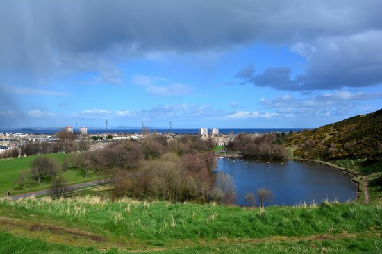 Holyrood Park : Lovely scenery ..