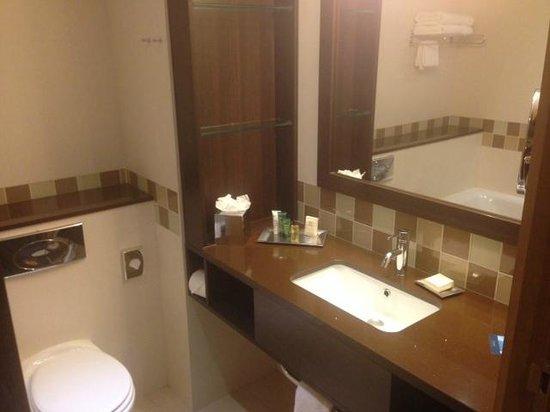 Hilton Dublin Kilmainham : Bathroom