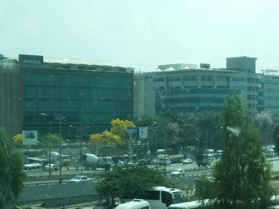 Novotel Bengaluru Techpark: View outside