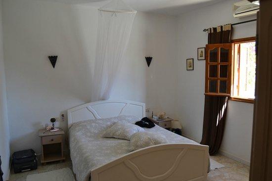Menzelcaja : La chambre