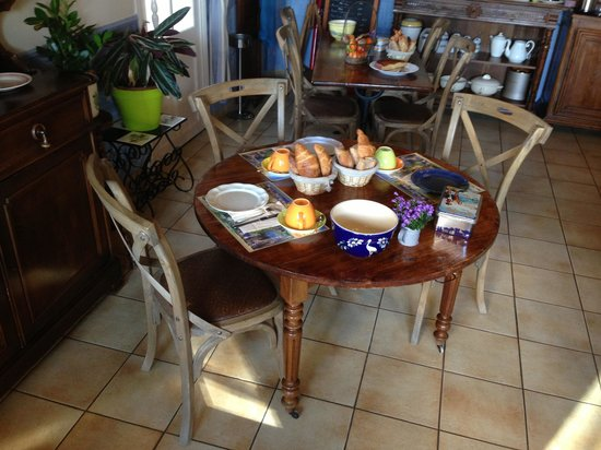 Cote Loire Auberge Ligerienne: Breakfast room