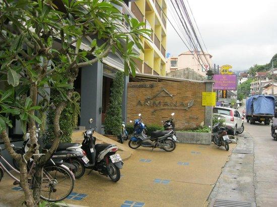 Arimana Hotel: Hotel entrance