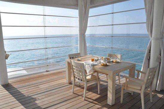 Diamonds Thudufushi : Terrasse de la villa