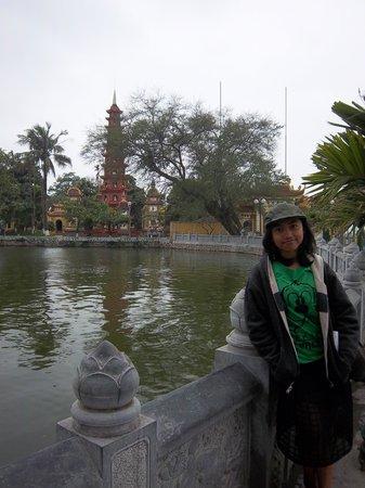 Chua Tran Quoc: Tran Quoc Pagoda West Lake