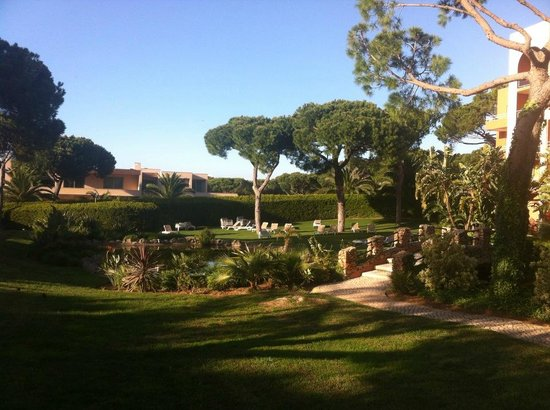 Falésia Hotel : Zonas de jardim fenomenais