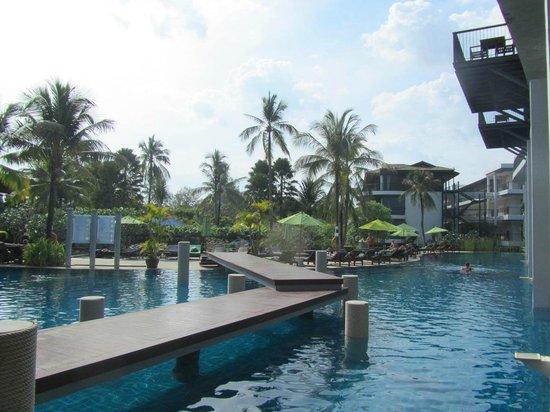 Holiday Inn Resort Krabi Ao Nang Beach: Pool side