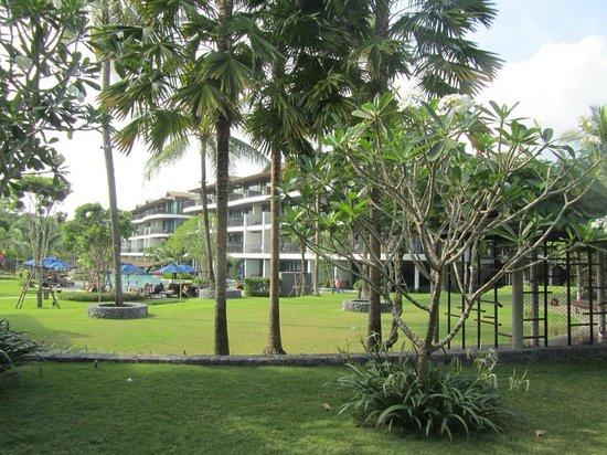 Holiday Inn Resort Krabi Ao Nang Beach: The hotel grounds