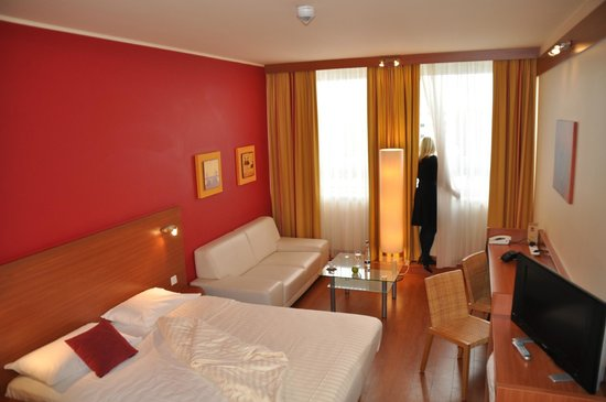 Star Inn Hotel München Schwabing, by Comfort: Businesszimmer