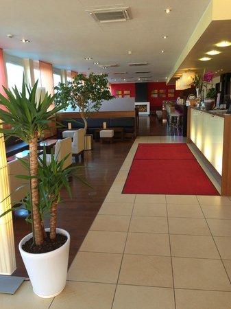 Star Inn Hotel München Schwabing, by Comfort: Lobby
