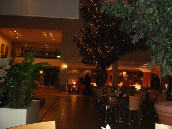 Estrel Berlin: Atrium