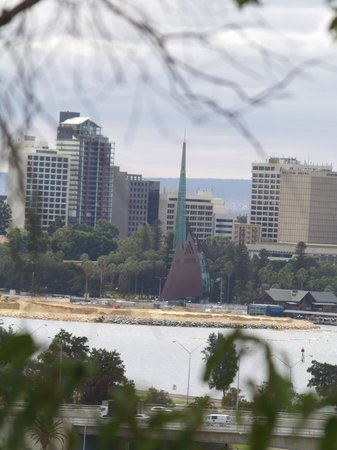 Kings Park and Botanic Garden : City of Perth and the Swan bell tower from Kings Park