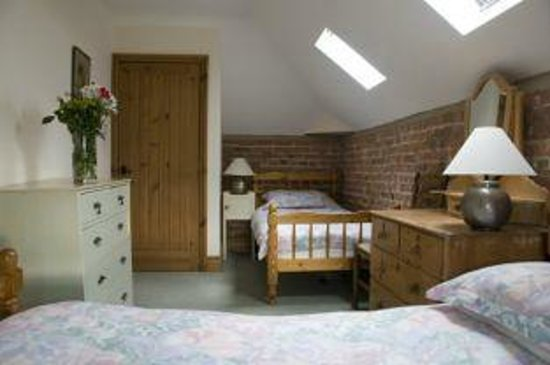 Canal Farm Cottages : Twin room in Barn Owl