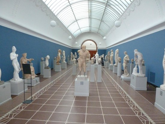 Gliptoteca Ny Carlsberg: o.a Etruskische kunstvoorwerpen