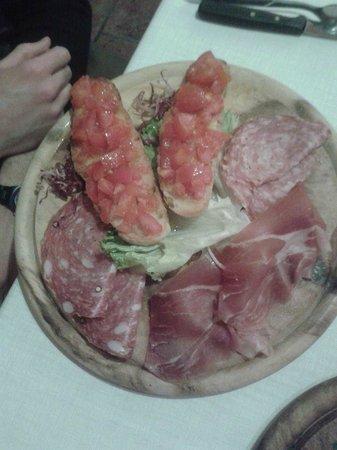 Ristorante Il Toscano: antipasto crostini toscano