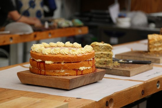 Town Mill Bakery: Victoria sponge cake