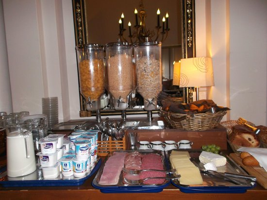 Hotel Bourgoensch Hof : large choix petit déjeuner