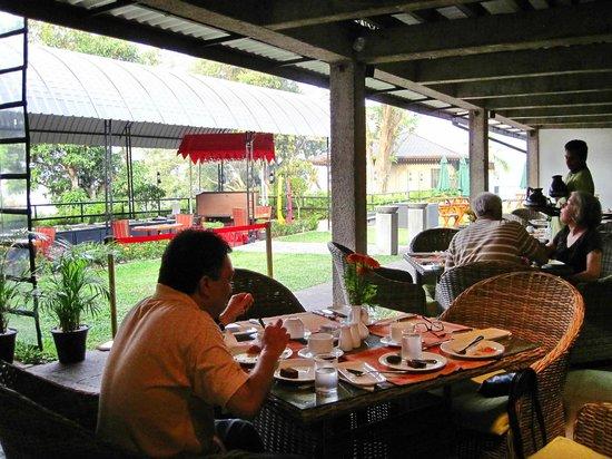 Hotel Thilanka: завтрак