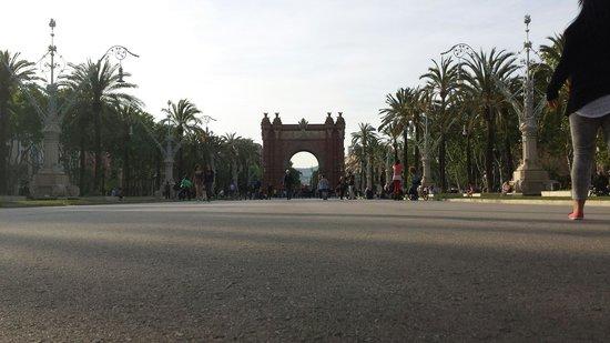 Arc de Triomf : Arc de triompf ,not only in paris ;)