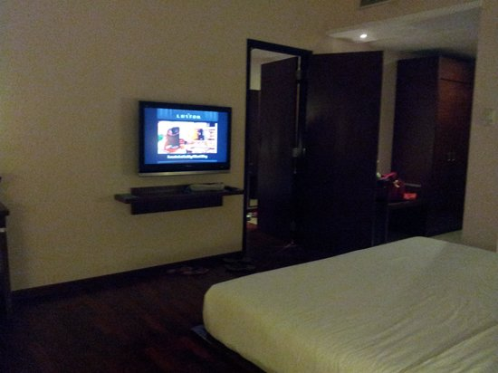The Luxton Bandung: Connceting door