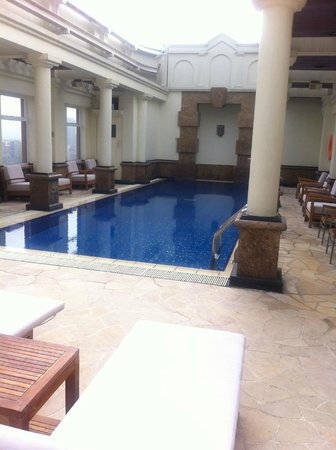Eaton, Hong Kong: Heated pool on the top floor