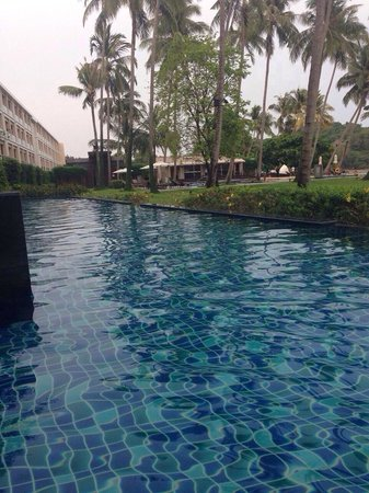Crowne Plaza Phuket Panwa Beach: Piscine des suites