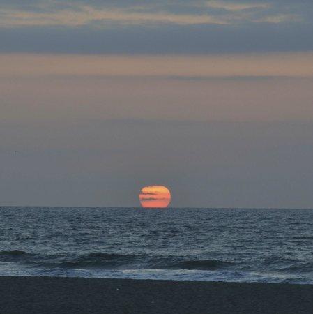 Hotel Den Haag-Wassenaar: Sunset from Scheveningen beach