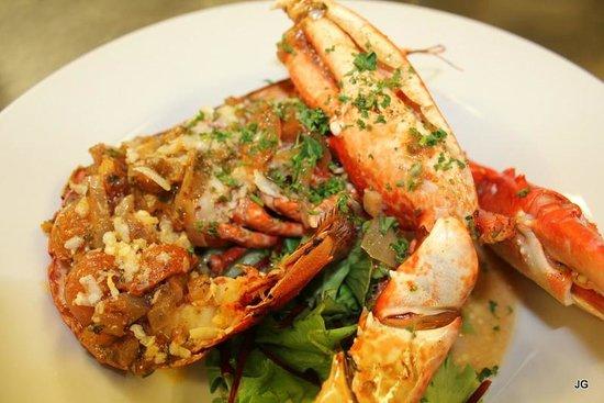 Queens Head Hotel: Fresh Local Lobster