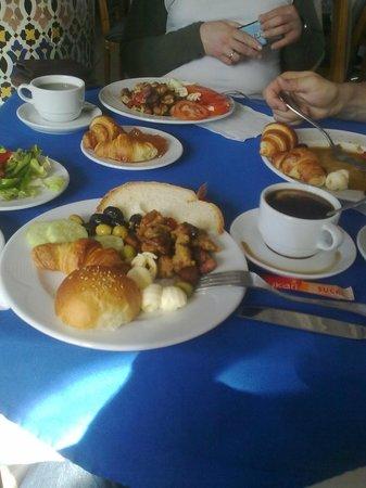 Hotel Ryad Mogador Essaouira: В первый день завтрак действительно был не плох и разнообразен