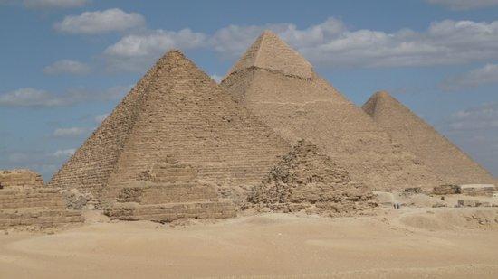 Plateau de Gizeh : Le tre piramidi