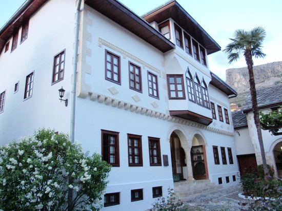 Bosnian National Monument Muslibegovic House Hotel: Main house and museum