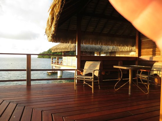 Royal Huahine : Part of the large deck