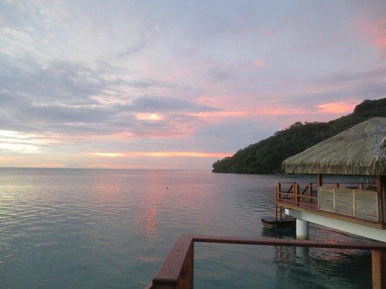 Royal Huahine : Amazing sunsets