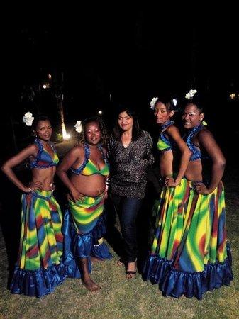 Calodyne Hotel: Mauritian dancers  in calodyne