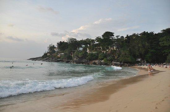Mom Tri's Villa Royale: Вид с пляжа на отель