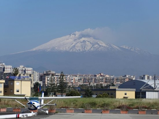 Monte Etna: Mount Etna from Catania Airport