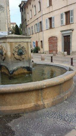 Citadelle Saint Florent : Fontaine st Florent