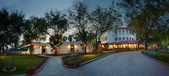 MGM Hi-Way Resort, Ranipet: Exterior