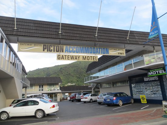Gateway Motel Picton Accommodation: Hotel Front