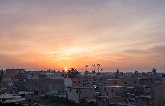 Dar Mo'da: Levée du soleil vue depuis la terrasse sur le toit