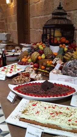 Batrouniyat : Dessert Buffet