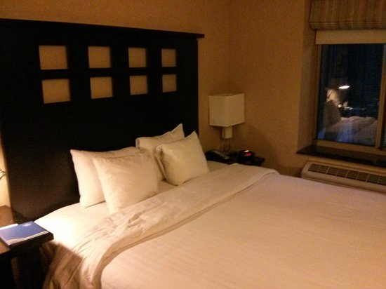 Fairfield Inn & Suites by Marriott New York Manhattan / Times Square: Room