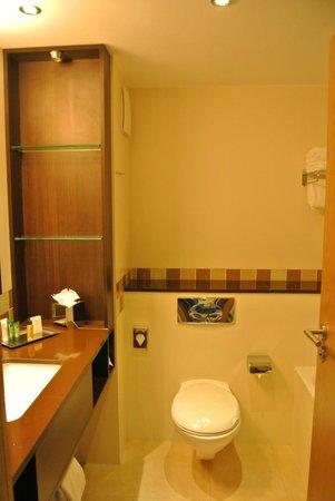 Hilton Dublin Kilmainham: Nice clean bathroom