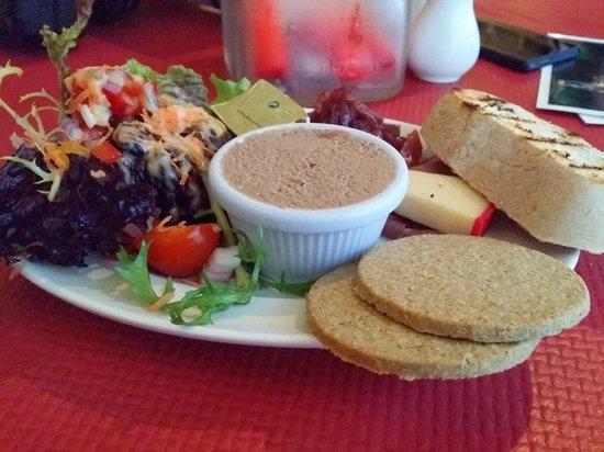 Ben Macduis Inn: Highland Platter starter