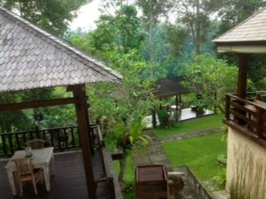 Beji Ubud Resort: Upper level gardens