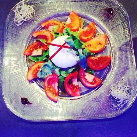Les Artistes : Carpaccio de tomate et sa mozzarella burratina