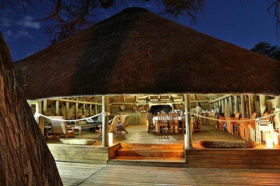 Mogothlo Safari Lodge: Front of Lodge
