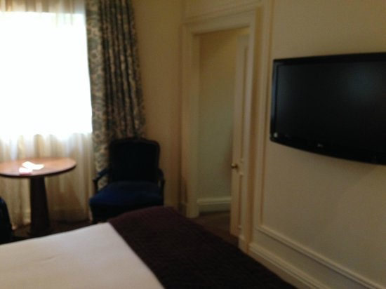 The Kensington Hotel: corner from bed