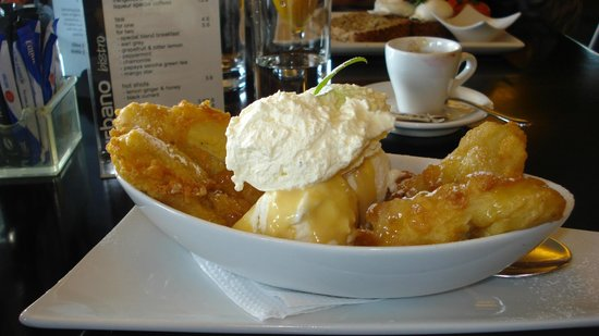 Urbano Bistro : Banana fritters